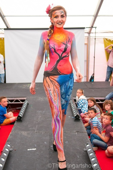 Body painting design- Artiste Lauren Toves Model Maisie B